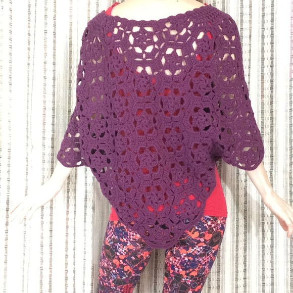 Vintage Sweaters - Crochet Flower Soft Knit Poncho Hippie Chic